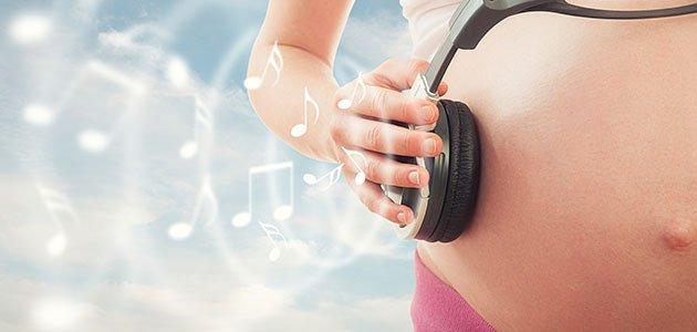 _embarazada-cascos-musica-p